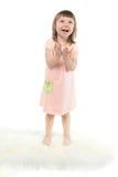 Opgewekte leuke baby met open mond en handen Royalty-vrije Stock Foto