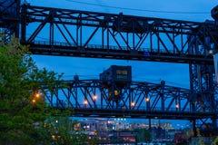 Ophaalbrug ergens in Cleveland, Ohio royalty-vrije stock afbeeldingen