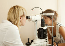 Ophthalmologist  and patient Royalty Free Stock Images