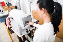 ophthalmology рассмотрения Стоковые Изображения