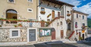 Opi lantlig by i den Abruzzo nationalparken, landskap av L ` Aquila, Italien Royaltyfri Fotografi
