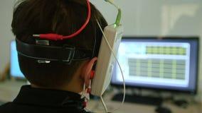 Opiek zdrowotnych dzieci ` s diagnostyk okulistyki klinika - mózg badać - zbiory wideo