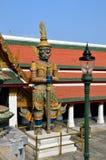 Opiekun Buddyjski nauczanie w Royal Palace Bangkok, Tajlandia fotografia royalty free