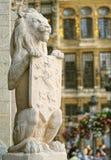 Opiekunu lew od średniowiecznego urzędu miasta Zdjęcia Stock