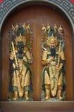 Opiekuny drzwi przy Chińską świątynią obrazy royalty free