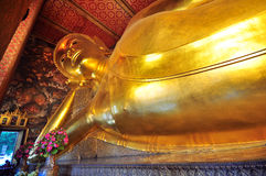 Opierać Dużego Buddha wizerunek Wat Pho fotografia royalty free