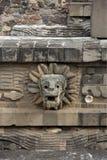Opierzony wąż przy świątynią Quetzalcoatl, Teotihuacan Obrazy Royalty Free