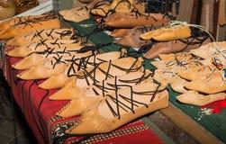 Opinci traditionnel roumain de chaussures images libres de droits