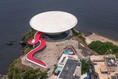 Opinião aérea Art Museum contemporâneo em Niteroi fotos de stock