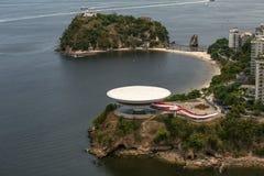 Opinião aérea Art Museum contemporâneo em Niteroi foto de stock royalty free