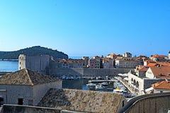 Opinião aérea da cidade velha de Dubrovnik do porto imagens de stock royalty free