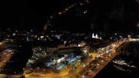 Opinião aérea da noite da cidade velha Kotor, Montenegro video estoque