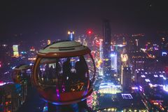 Opinião aérea da noite larga bonita do ângulo do distrito financeiro da cidade nova de Guangzhou Zhujiang, Guangdong, China com s Foto de Stock Royalty Free