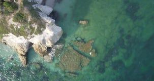Opinião aérea da praia do mar Mediterrâneo filme