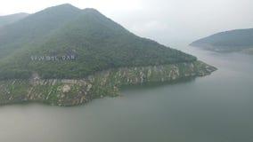Opinião aérea da represa de Bhumibol vídeos de arquivo