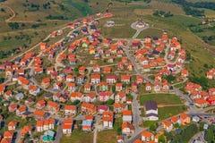 Opinião aérea das casas residenciais fotografia de stock royalty free