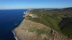Opinião aérea de Cabo a Dinamarca Roca - extensão Westernmost de Europa continental - 4K ultra HD video estoque