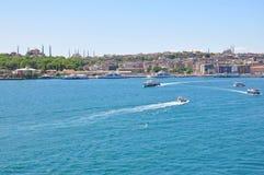 Opinião aérea de Istambul à cidade, à mesquita azul e ao Hagia Sophia Mosque foto de stock royalty free