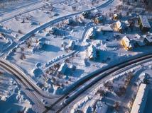 A opinião aérea de Kiruna, a cidade a mais northernmost do inverno na Suécia, província de Lapland, imagem ensolarada do inverno  fotos de stock royalty free
