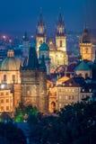 Opinião aérea de marcos de Praga, Checo da noite imagens de stock royalty free