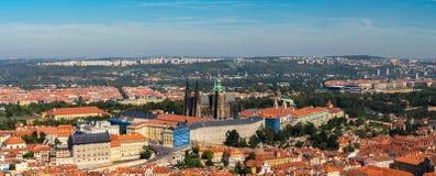 Opinião aérea de Panoramik da cidade de Praga do monte de Petrin Imagens de Stock Royalty Free