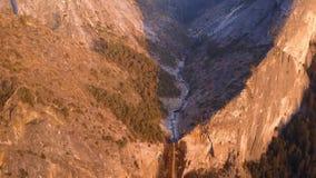 Opinião aérea de parque nacional de Yosemite de cima de filme