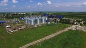 Opinião aérea de silos de grão video estoque