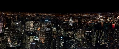 Opinião aérea de surpresa da noite panorâmico de NYC Distrito de Manhattan EUA fotografia de stock royalty free