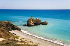 Opinião aérea do mar Azure no lugar de nascimento do Aphrodite Imagens de Stock Royalty Free