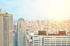 Opinião aérea do olho moderno panorâmico do pássaro da construção da arquitetura da cidade da torre e do skytree do casulo sob o  Fotos de Stock