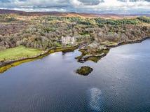 Opinião aérea do outono do castelo de Dunvegan, ilha de Skye imagem de stock royalty free