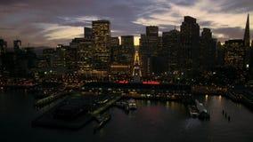 Opinião aérea do panorama da arquitetura da cidade do zangão em arranha-céus do centro modernos de San Francisco na skyline do po vídeos de arquivo
