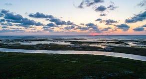 Opinião aérea do zangão acima de nascer do sol tropical surpreendente no nascer do sol da ilha do capelão sobre o lado de Laguna  Fotos de Stock Royalty Free