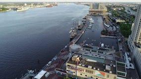 Opinião aérea do zangão dos navios altos entrados no PA de Philadelphfia video estoque