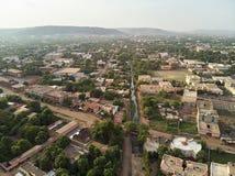 Opinião aérea do zangão do niarela Quizambougou Niger Bamako Mali fotografia de stock