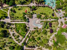 Opinião aérea do zangão do parque do jardim da liberdade de Kadikoy Goztepe em Istambul/Ozgurluk Parki imagens de stock royalty free