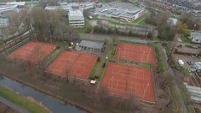 Opinião aérea dos campos de tênis, Zwijndrecht, Países Baixos filme
