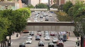 Opinião aérea o tráfego/pedestres em Los Angeles do centro Califórnia vídeos de arquivo