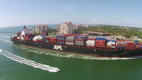 Opinião aérea pesada de navio de carga filme