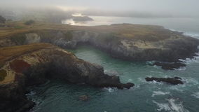 Opinião aérea Rocky Northern California Coastline filme