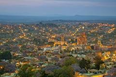 Opinião aérea San Miguel de Allende em México após o por do sol Foto de Stock