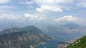 Opinião agradável da montanha e do mar Kotor montenegro vídeos de arquivo