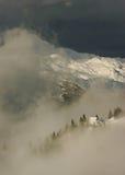 Opinião alpina da cabana Fotografia de Stock Royalty Free