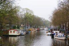 Opinião autêntica da cidade da canaleta de Amsterdão Fotos de Stock