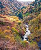 Opinião bonita da manhã da garganta do rio de Mulkhra fotografia de stock