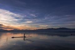 Opinião bonita da natureza em horas douradas Fotografia de Stock
