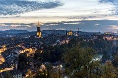 A opinião bonita da noite de Berna Fotos de Stock