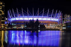 Opinião bonita da noite do BC Place Stadium em Vancôver Fotos de Stock Royalty Free