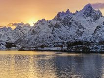 Opinião bonita da paisagem em Noruega em março imagens de stock royalty free