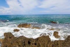 Opinião bonita de Cefalu, pouca cidade do mar no mar em Sicília, Itália fotos de stock royalty free